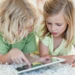 Планшеты стали заменой игрушек для детей