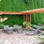 С помощью ландшафтного дизайна можно сделать участок более живым и уютным