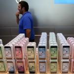 Стоимость iPhone падает