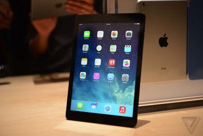 Один из планшетов iPad Air взорвался в прямо в магазине