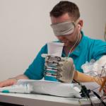 Создан бионический протез руки с тактильной чувствительностью