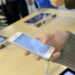 """Ученые изобрели к iPhone чехол с """"вакуумным"""" креплением"""