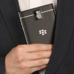 Смартфон BlackBerry Passport: ёмкий аккумулятор и четыре микрофона