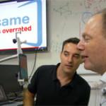 Смартфон, управляемый движениями головы и голосовыми командами, поможет людям с ограниченными возмож...