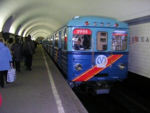 Saint_Petersburg_Metro_Retro_Train