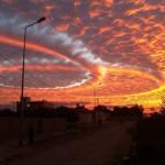 Откуда берутся разноцветные облака?