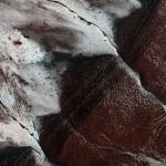 Кадр дня: как выглядит лед на Марсе