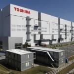 Японская Toshiba намерена построить завод по выпуску чипов за рубежом