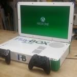 """Моддер объединил PS4 и Xbox One в 22"""" ноутбуке"""