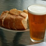 Хлеб, пиво и соевый соус изменили микрофлору человека