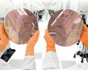 sm.globalfoundries_semiconductor_wafers_300mm.600