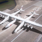 Первые фото с производства крупнейшего в мире самолета