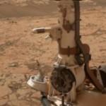 Марсоход Curiosity пронюхал о существовании крошечных водоемов, скрывающихся под поверхностью Марс...