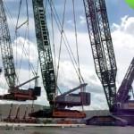 Машины-монстры: Гигантский подъемный кран, поднимающий огромный кран, поднимающий большой кран