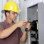 Стоит ли вызывать электрика на дом?