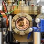 Ученые создали самый маленький тепловой двигатель, состоящий из единственного атома