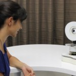 Talking-Ally - робот, который надоедает людям, привлекая их внимание и побуждая их поддерживать ра...