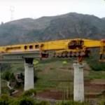 SLJ900/32 - 100-метровый монстр, который помогает людям строить мосты
