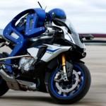 Motobot - гуманоидный робот-мотоциклист компании Yamaha, который сможет превзойти наилучших людей-го...